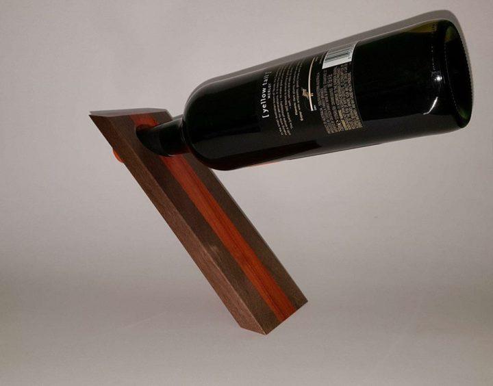 balancing wine bottle holder_15july2018